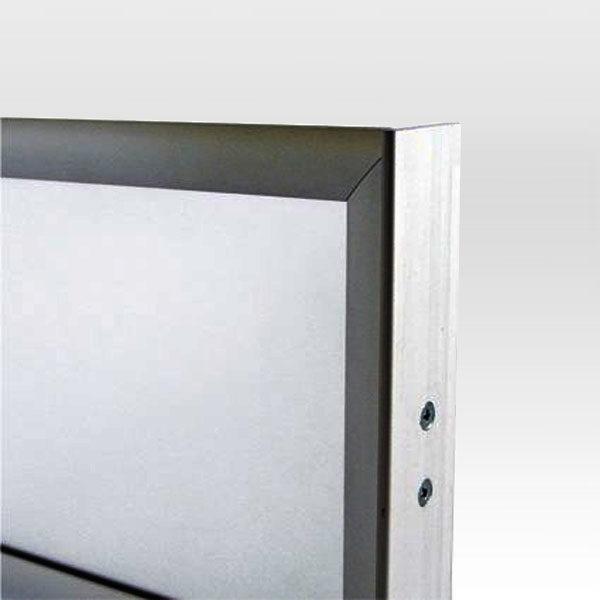 Dvostrani-stoni-aluminijumski-ramovi-za-postere-postolja