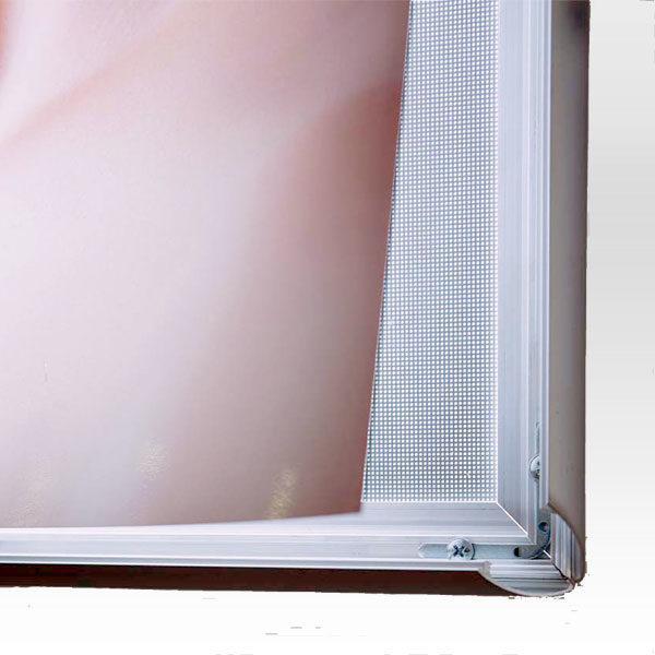 Ultra-tanki-LED-svetleci-klik-ramovi-sistem-osvetljenja