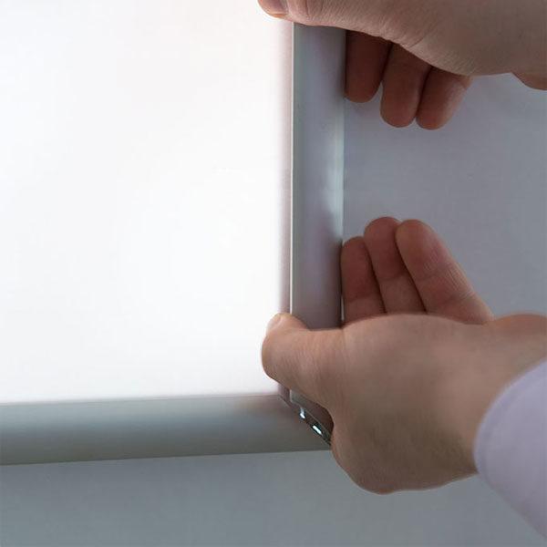 Ultara tanki svetleci klik klak ramovi za postere