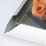 Zastitna-folija-na-klik-poster-ramu-od-profila-44mm