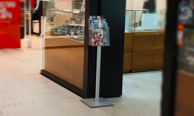 Stajaci stalak za brošure
