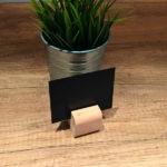 Drvena-baza—drzaci-za-cene-svetli-slika-iz-prostora